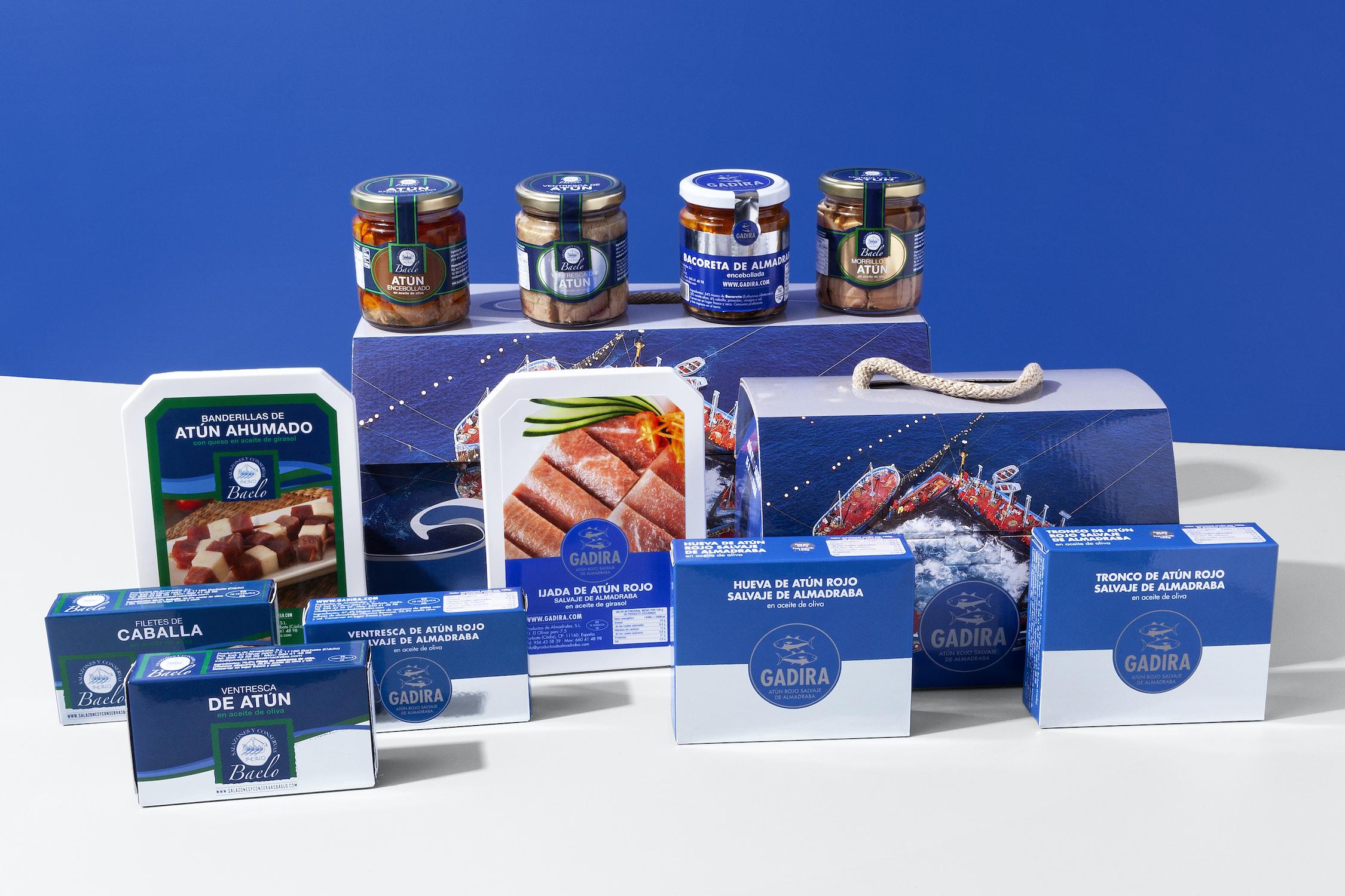 Para los que buscan un detalle original, de gran calidad y gourmet tenemos una variada oferta de cofres a precio cerrado, con surtidos de artículos de las marcas Gadira y Baelo.